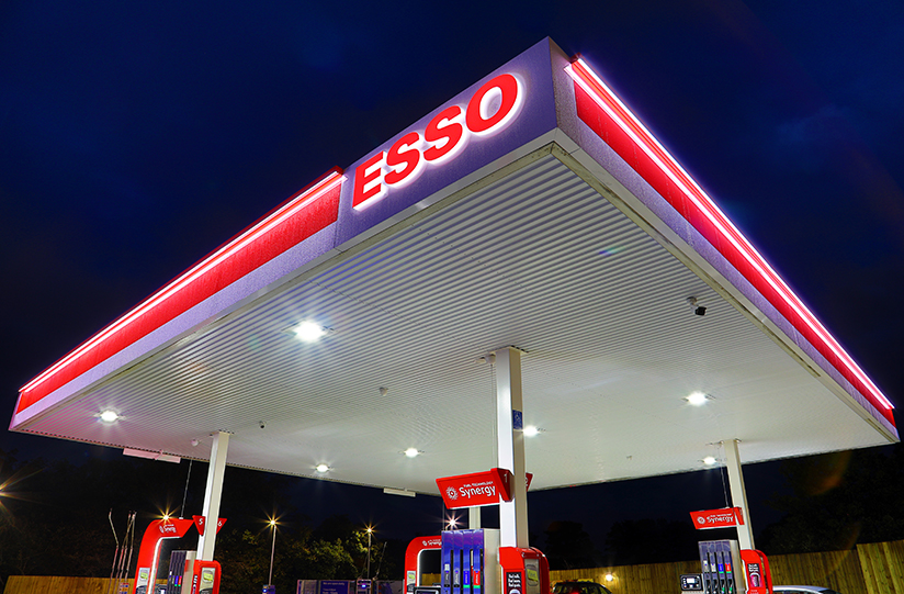 Petrol Sign installs new LED wash lighting to Esso sites in Europe - Hi-Brow™ 30